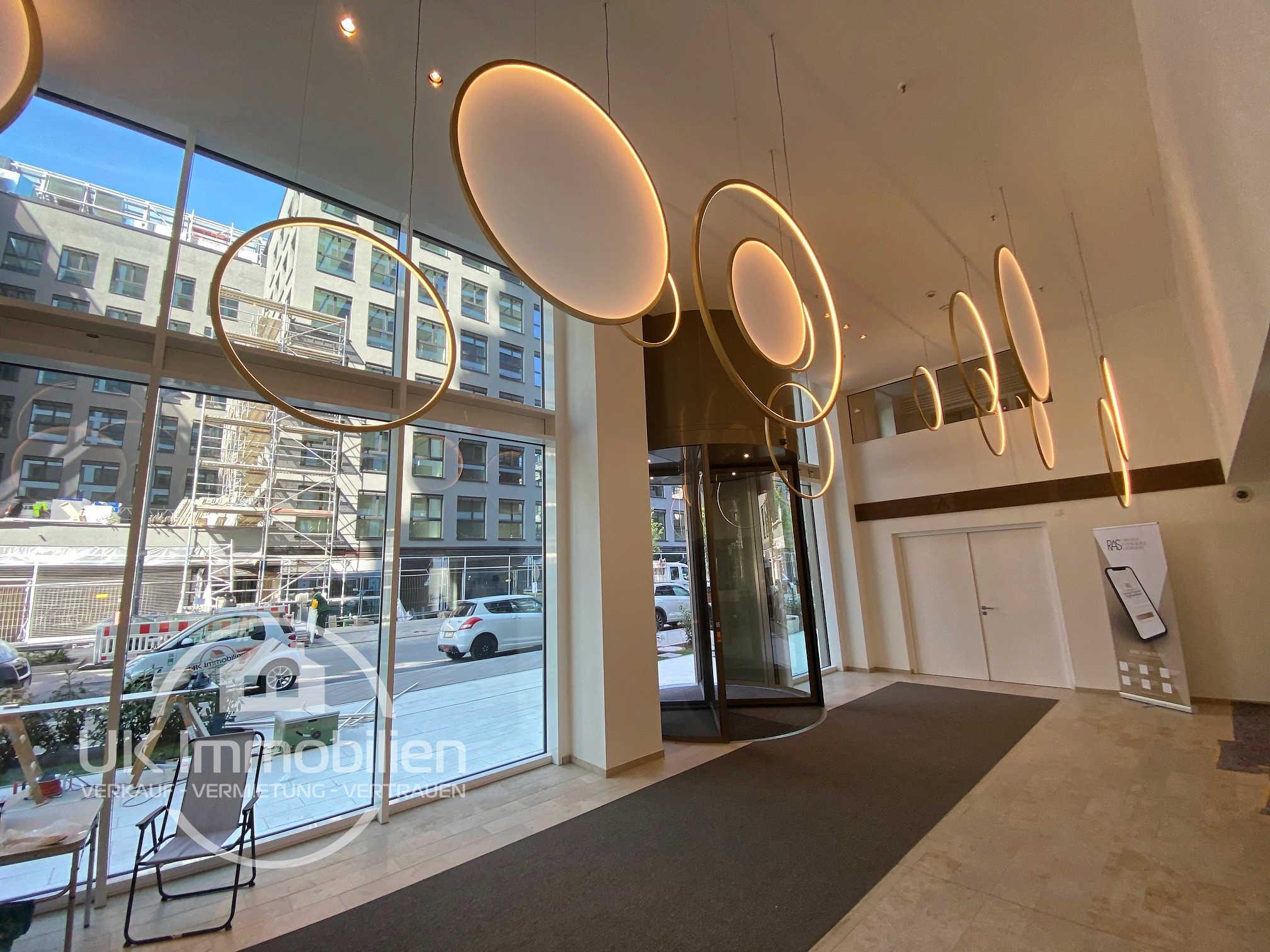 Immobilienmakler-Frankfurt-Europaviertel, Niedernhausener-Strasse 13, SOLID-HOME, Lobby, Concierge, Solid